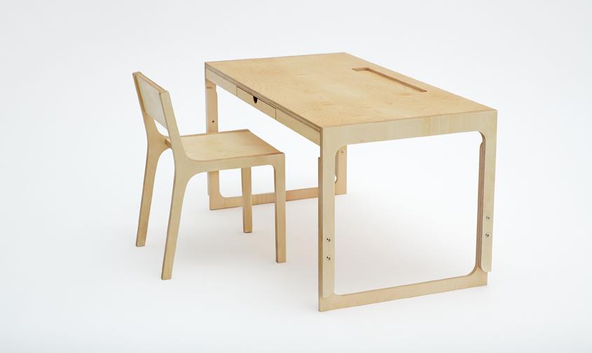 biurko krzesło